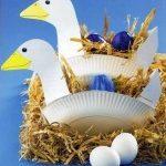 Что можно сделать из пластиковых тарелок? Оригинальные корзинки «Гусь» для пасхальных яиц (+выкройка)