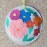 Цветы из бумаги и пластилина